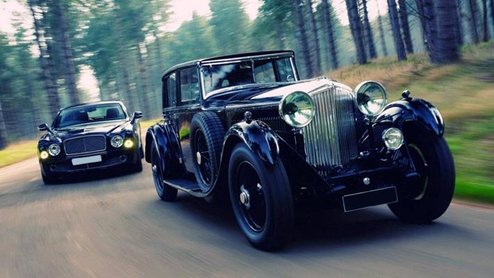 Classic-VS-Modern-Wedding-Cars