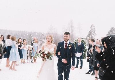 Winter Wedding vs Summer Weddings