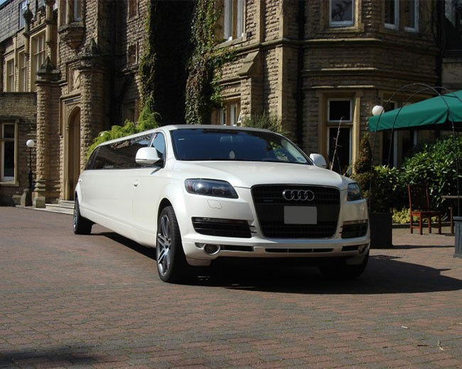 Audi Q7 Limo UK | Limo Hire in UK | Wedding Car Hire